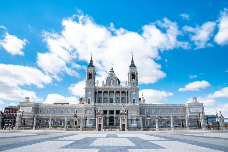 阿穆德納聖母教堂3