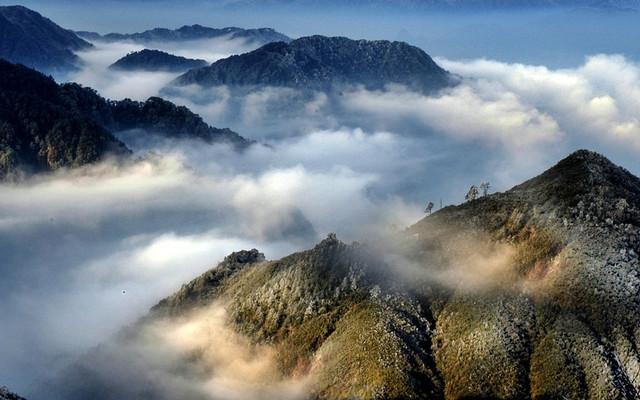 高鐵遊 天南第一峰