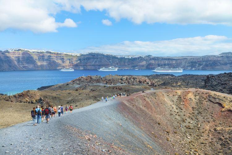 Thira Volcano1