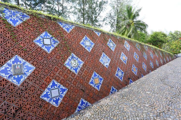 Phi Phi Tsunami Memorial Park2