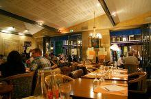 到美食之都里昂,就要尝尝当地特色的Bouchon土菜馆