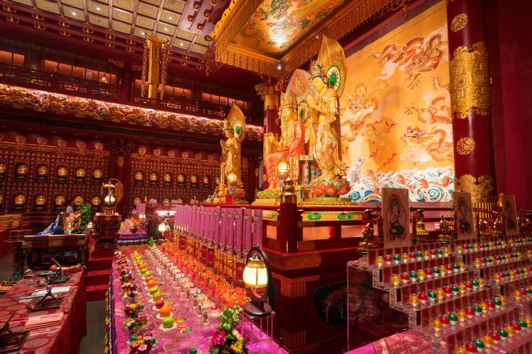 Buddha Tooth Relic Temple3