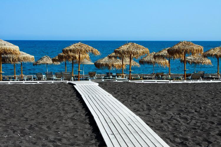 Perissa Beach1
