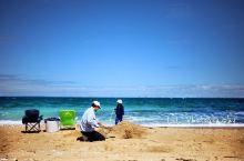 Brighton Beach边的步道和自行车道  这个海滩自从有了小木屋以后就开始每天迎接无数的游客