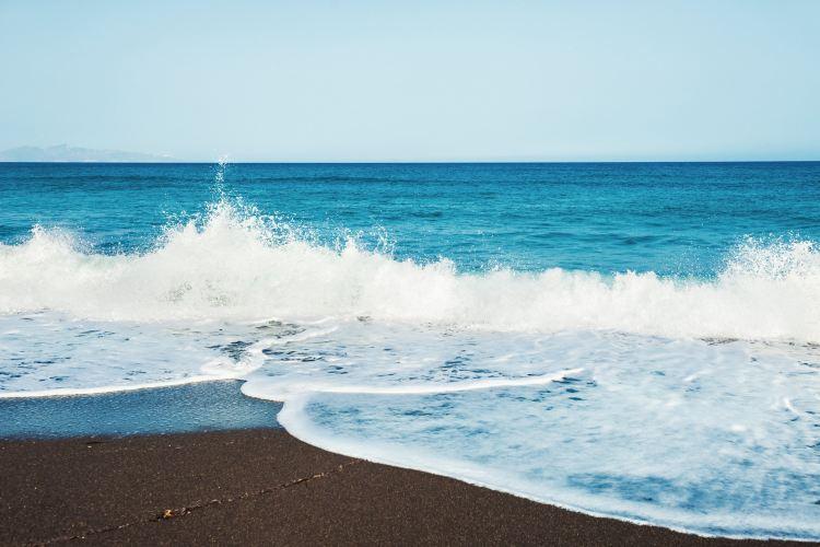 Perissa Beach4