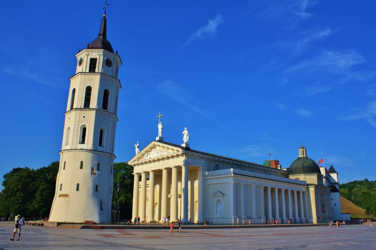 Vilnius Cathedral Basilica of Sts Stanislaus and Vladislaus2