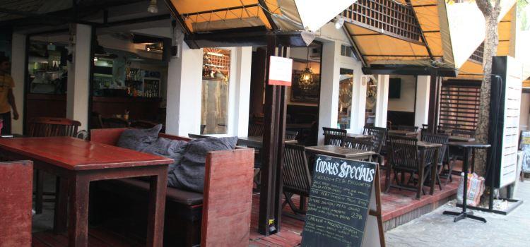 Unni's Restaurant2