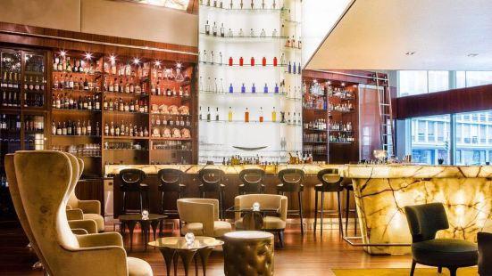 Onyx Bar