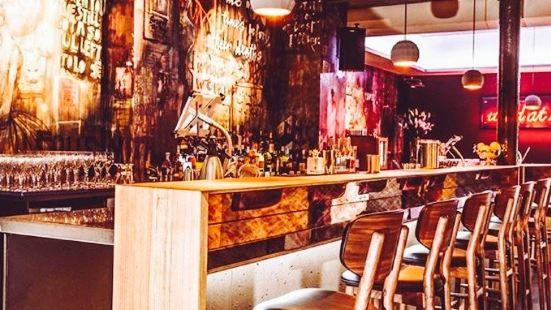 Chinaski No Bar, No Disco
