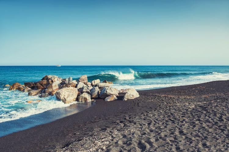 Perissa Beach2