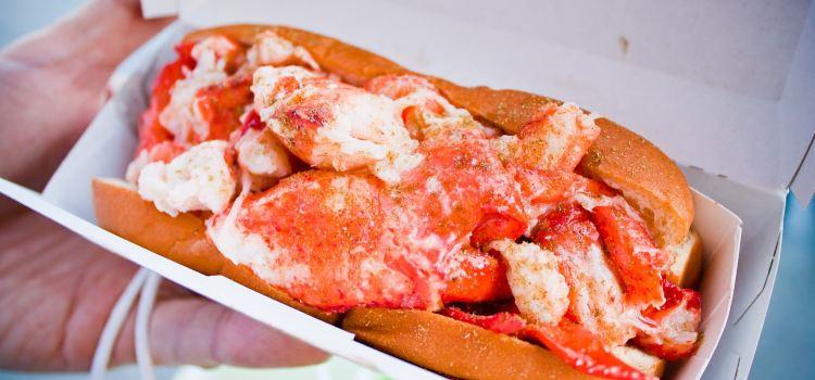 Luke's Lobster Penn Quarter1