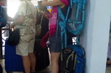 我们预定了11:30从Mersing前往Tioman的ferry。往返的票价是70rm。一个多小时以