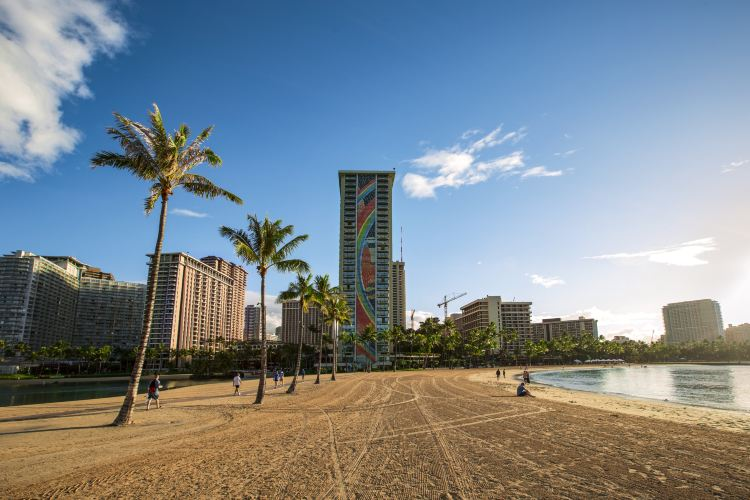 Waikiki Beach1