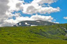 全英最高峰-本内维斯山(BenNevis),山上尚有冰雪覆盖,听说每年来这里登山和滑雪的人络绎不绝,