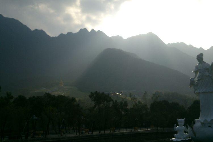 Shanwei Lianhua Mountain Hot Spring Resort