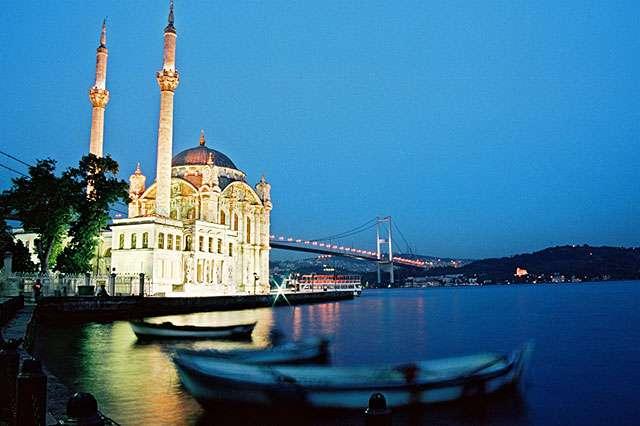 【携程攻略】伊斯坦布尔奥塔科伊清真寺景点,奥塔科伊清真寺位于伊斯坦布尔博斯普鲁斯海峡附近,与欧亚跨海大桥交…