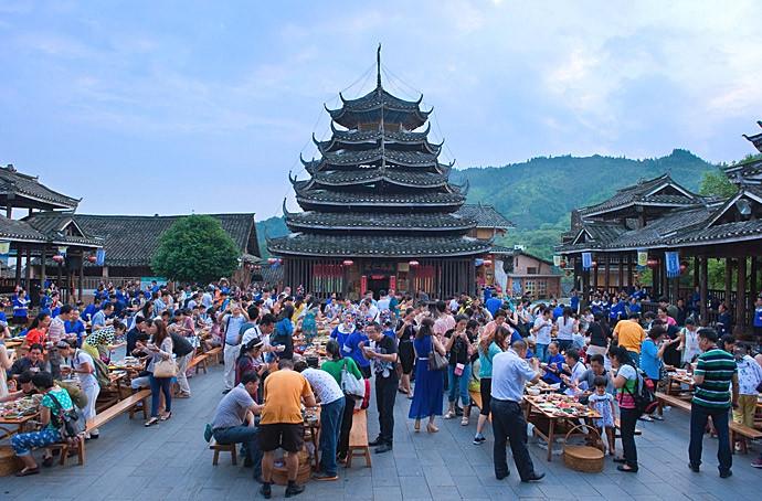 广西柳州-侗族大寨内壮观的百家宴 - 三江游记攻略