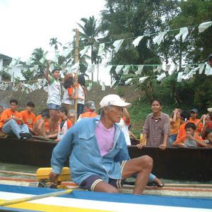拉古娜游记图文-菲律宾的泼水节还砍橘子