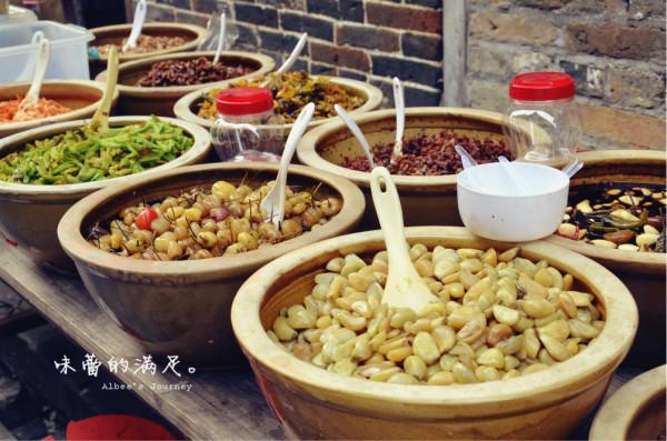 黄姚豆腐酿,豆腐渣里面包猪肉,不是我们喜欢的风格。