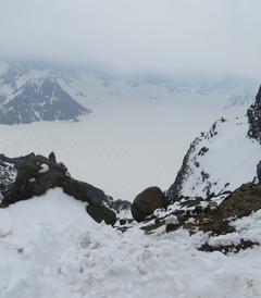 [长白山北坡游记图片] 5月中旬长白山天池还是冰天雪地