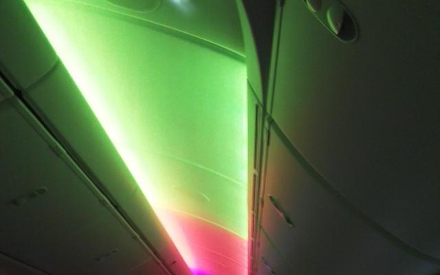 搭乘787梦幻客机体验曼谷芭提雅之美