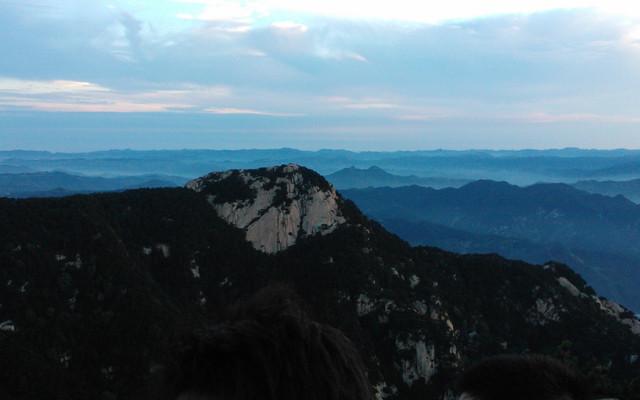 去泰山顶上看太阳升起