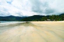 我并没有待在这村里,我只是想在这里打车,到岛的另一方JUARA(这一趟行程我都尽量选择一些我还没到过