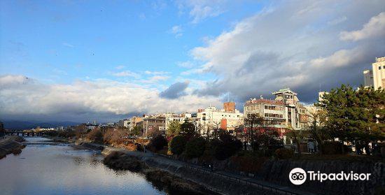 Shijo Bridge2