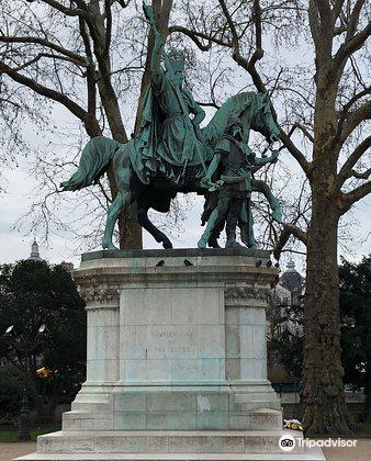 Equestrian Statue of Charlemagne4