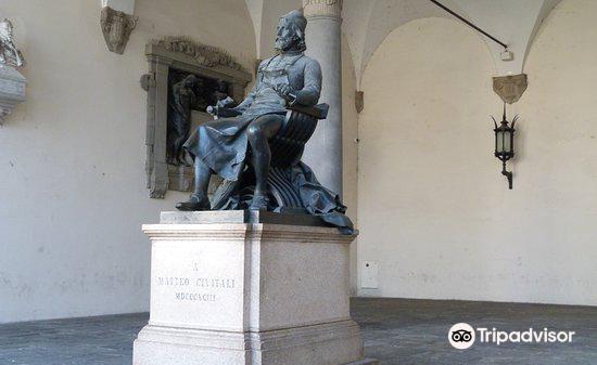 Monumento a Matteo Civitali1