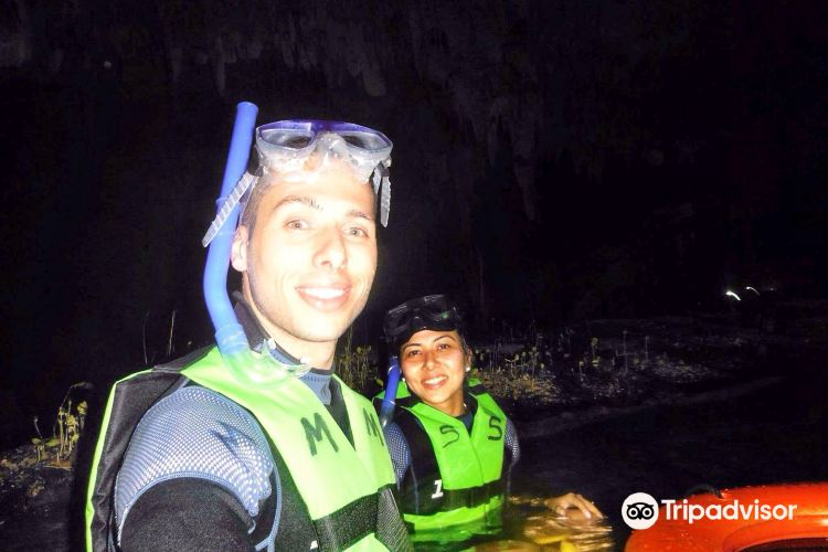 Two Eyes Cenote4