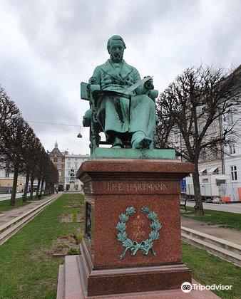 J. E. Hartmann2