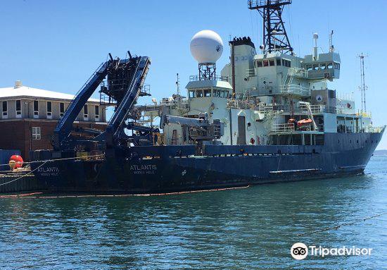 Woods Hole Oceanographic Institution2