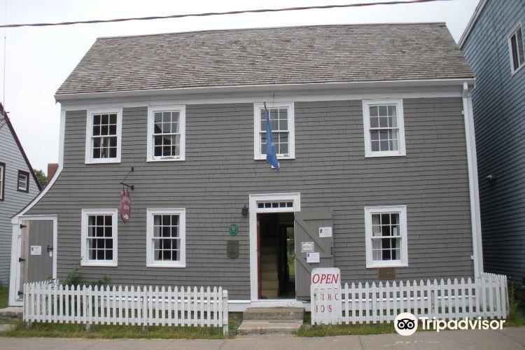 Quaker House1