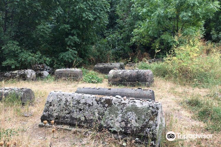 Yeghegis Jewish Cemetery3