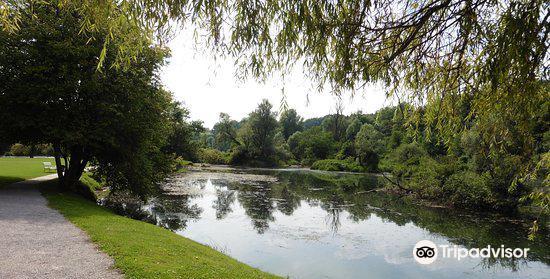Grajski Park Otocec4