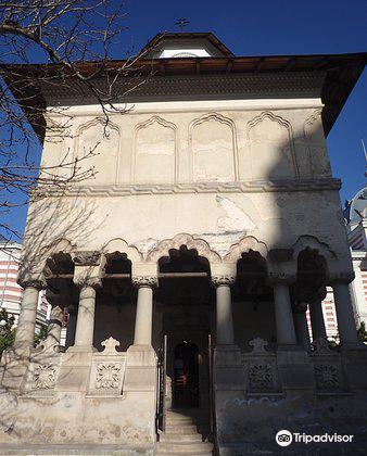 Biserica Coltea4