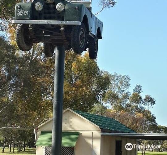 Landrover On A Pole2