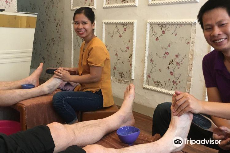 Lemi spa, foot & body massage2