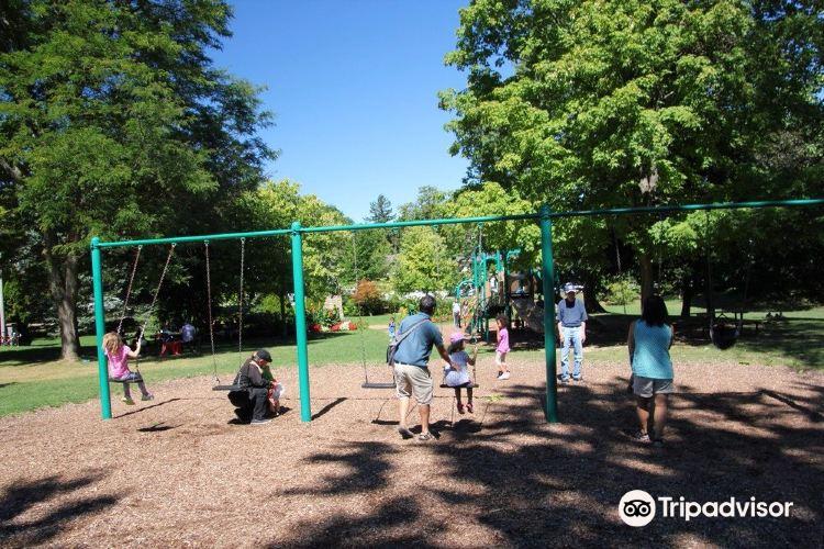 Simcoe Park2