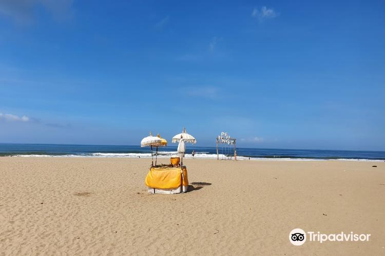 Petitenget Beach2
