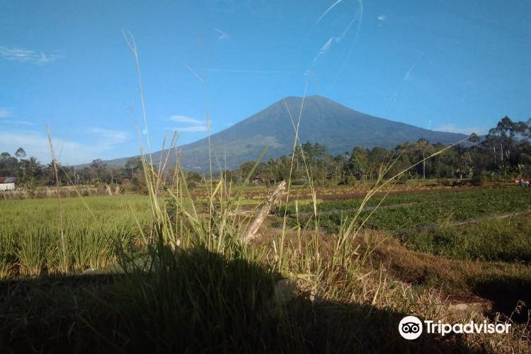 Mount Dempo3