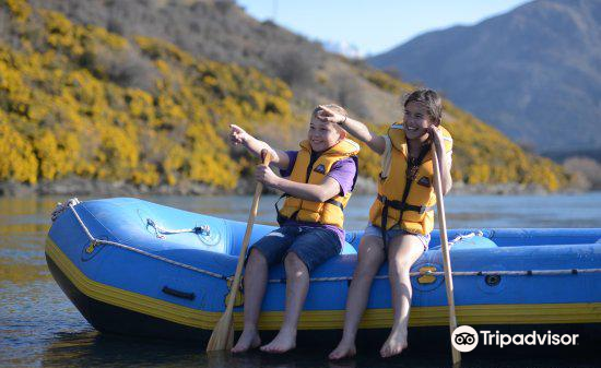 Flow Fun Canoes & Rafts2