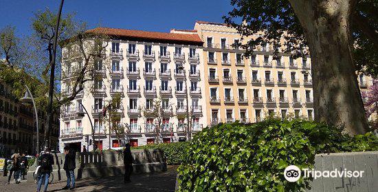 Plaza de Jacinto Benavente4