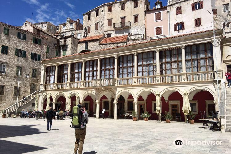 Pellegrini Palace2