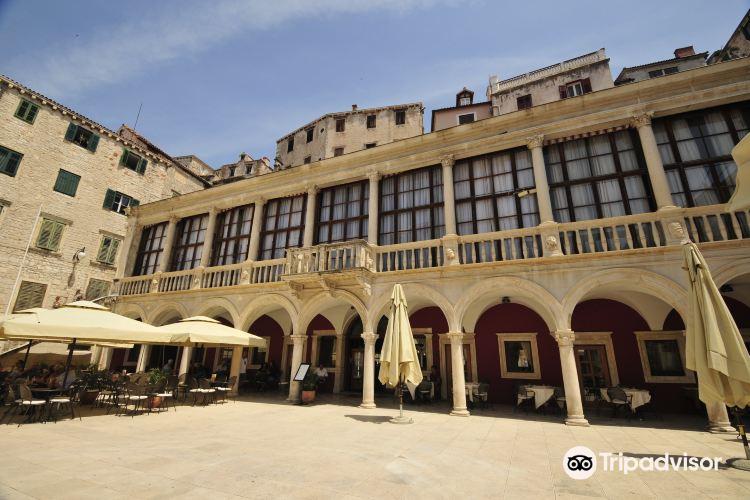 Pellegrini Palace1