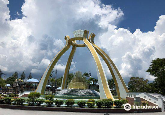 Jerudong's Crystal Arch