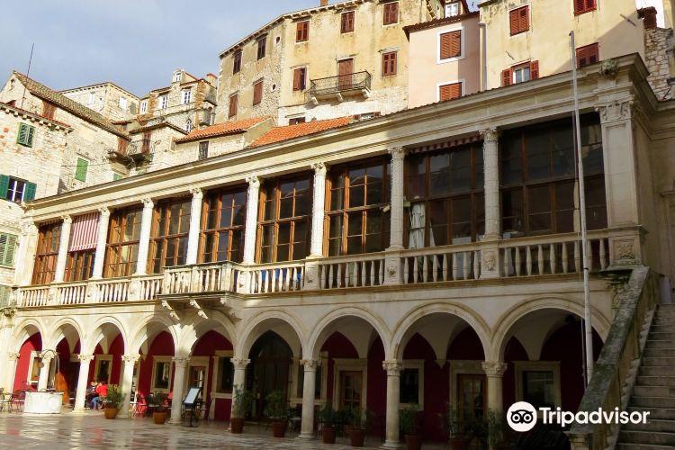 Pellegrini Palace4