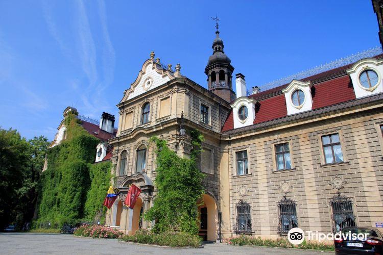 Moszna Castle1