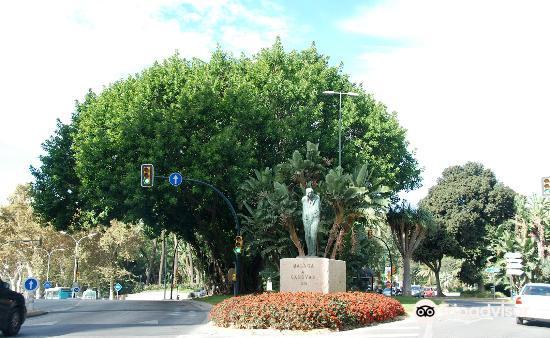 Monumento a Canovas del Castillo2